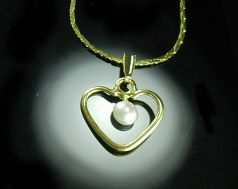 Bridal PEARL necklace Pendant Vintage Heart Ladies Bridesmaid gift  Sweetheart Valentines day Gold Chain Women's jewelry