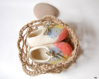 Baby felted Booties in crochet jute bag Unisex baby and toddler white wool shoes Handmade gift for Newborn-9-12 months and 3-6 months
