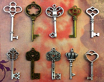 130 keys, 1.5 inches and above, mixed color, shape and size for skiesthelimit140
