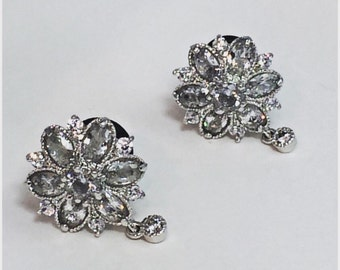Pair of flower cz stud wedding plugs for gauged or stretched ears size 2g 0g 00g
