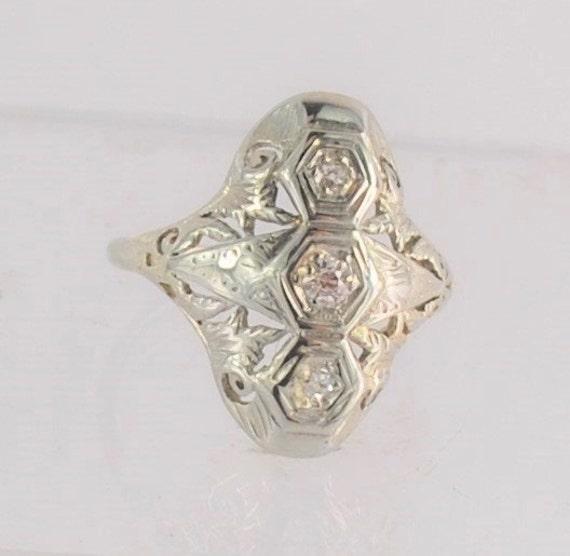 antique dinner ring 18 karat white gold by