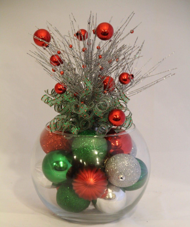 Christmas centerpiece red green and silver holiday decor for Ideas para christmas de navidad