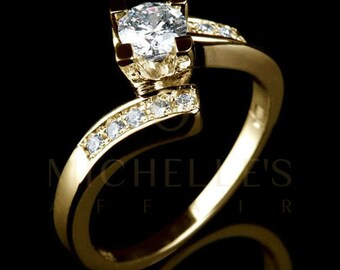 Women Round Cut Diamond Ring 18 Karat Yellow Gold Setting Certified F VS1 0.9 Carat Diamond Engagement Ring For Her