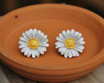 Hand-painted large white daisy stud earrings