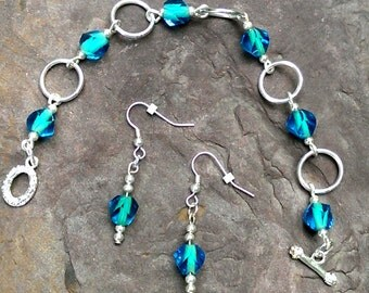 Glass and Silver Aluminum Bracelet and Earrings Set