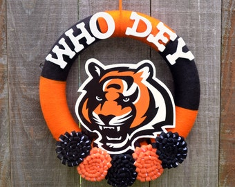Cincinnati Bengals Wreath // Yarn Wreaths // NFL Football Decor // Gift For Her // Gift for Fan // Home Decor