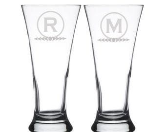 Set of 2, Glass Etched Monogram Beer Glasses, Personalized Pilsner Glasses, Etched Beer Mugs, Groomsman Glasses, Wedding Glasses,