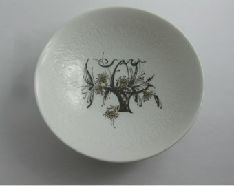 Rosenthal Germany studio-line: Romance in minor. Design Björn Wiinblad. Small porcelain dish / bowl. Diameter approx. 12.7 cm. VINTAGE