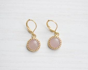 Filigree Rosequarz Golden Brass Earrings