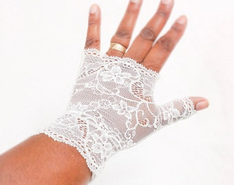 Wedding gloves,  stretch lace gloves, fingerless gloves, bridal lace gloves, Ivory stretch lace gloves, wedding gloves, fingerless gloves,