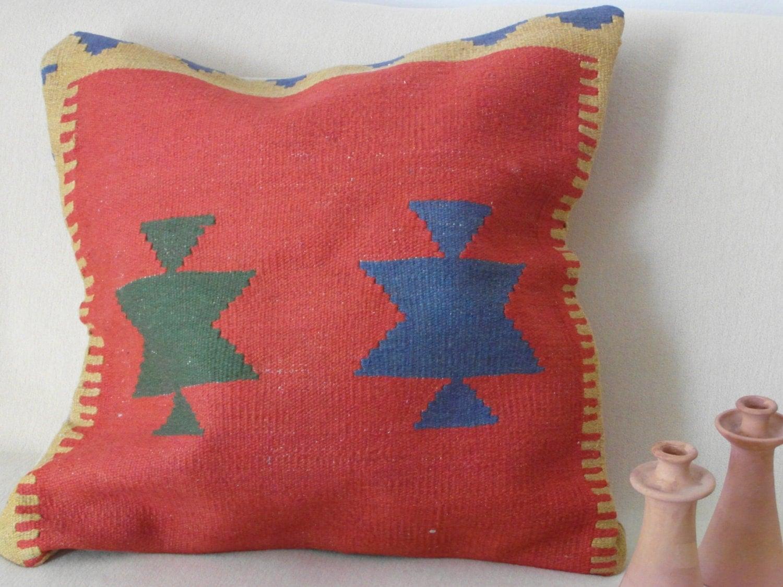 kissen gro bodenkissen wolle rot nomaden frauen handarbeit. Black Bedroom Furniture Sets. Home Design Ideas