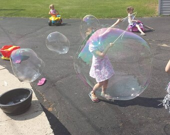 Bubble Party Package, Set of 6 small string bubble wands.