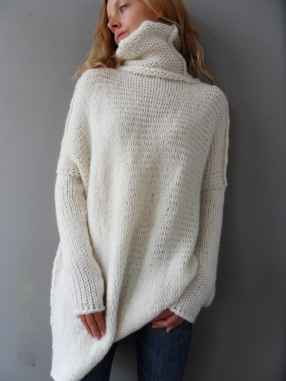Knitting Patterns Bulky Yarn Sweater : Oversized Chunky knit sweater. Slouchy / Bulky / Loose knit woman sweater. Of...