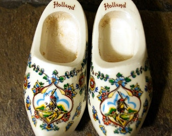 Holland Hand painted Miniature Wood Clogs, Hand Carved Dutch Wooden Shoes Small Holland Wall Hanging,Whimsy Painted Windmill Farm Theme