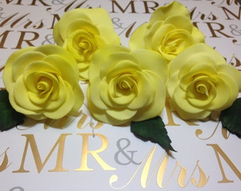 Gum Paste Rose Flowers ~ Set of 3 ~ Sugar Flowers ~ Edible cake topper ~ Queen Elizabeth Rose ~  Roses ~ Wedding Cake Topper~Cupcake Toppers