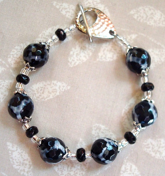 Bracelet Agate: Black and white  with silver accents