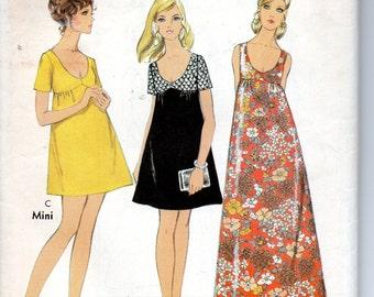 Vintage 1970s Scoop Neck Mini or Maxi Dress Size 12 Style 2617