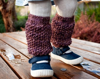 Busy Bee Legwarmers Leg Warmers - modern PDF knitting pattern for toddler and child