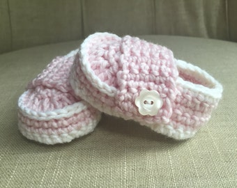 Crocheted baby girl shoes, baby slippers, baby booties, baby gift, accessory, layette,