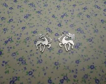 50 pcs of antique silver color metal horse pendant charm , 19*17mm , MP514