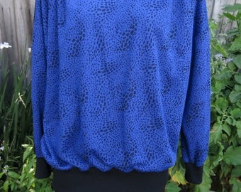 1980's Blue and Black Animal Print Sweater Size L