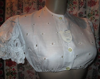 Cropped blouse/ top for dirndl/Oktoberfest/German/Austrian/Bavarian folk costume