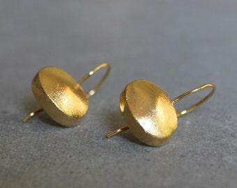 Gold drop earrings, Oval earrings, Gold dangle earrings, Classic earrings, Minimalist earrings.