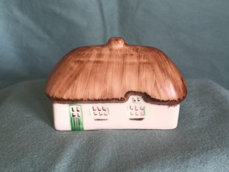 Irish Dresden Ireland Porcelain Cottage Thatch Roof Figurine