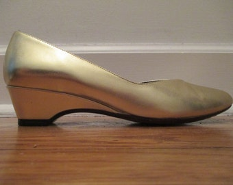 Vintage 1980's Gold Naturalizer Classics Gold Wedge Heels