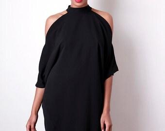 Liquorish Open Shoulder Dress In Black
