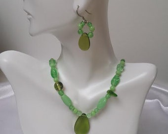 Bright Green Glass Bead Necklace and Earrings Set