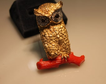 Unique Brooch 18k Yellow Gold Owl with Diamond Eyes sitting on a Limb of Coral