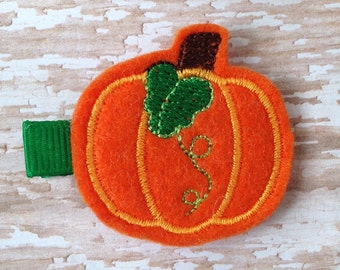 Pumpkin hair clip, Halloween hair clip, Trick or treat hair clip, baby hair clip, toddler hair clip, hair accessories, Pumpkin hair bow