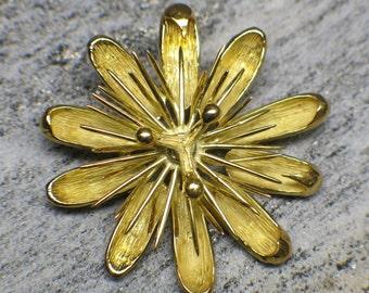 18K Gold Vintage Floral Pin or Pendant