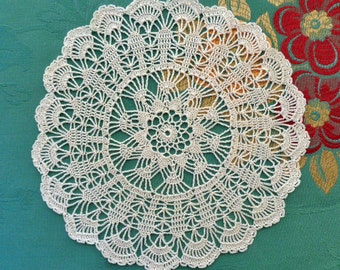 Cream crochet doily No.6