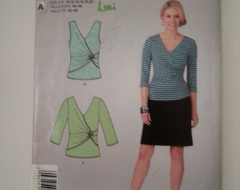 Wrap Top / knit / plus size /asymetrical / top 2012 sewing pattern, Bust 32 34 36 38 40 42, Size 10 12 14 16 18 20, Simplicity 1849