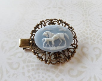 Light Blue Mare And Foal Alligator Hair Clip