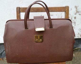 Vintage Gladstone Handbag Doctors Style - A Quirky Doctors Style Vintage Handbag made from Brown Textured PVC