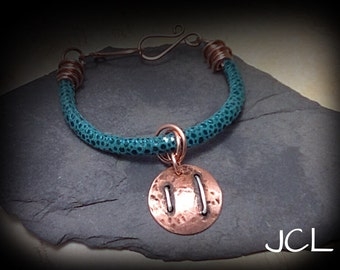 Tourquoise suede and copper bracelet with coppercharm