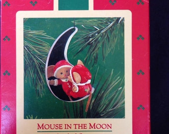 """Vintage Hallmark Ornament, """"Mouse in the Moon"""", 1986."""