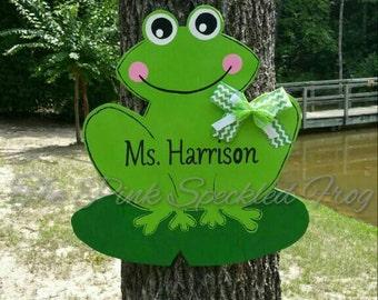 Frog door hanger