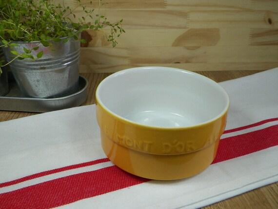 ramequin fromage mont d 39 or de la marque staub plat de. Black Bedroom Furniture Sets. Home Design Ideas