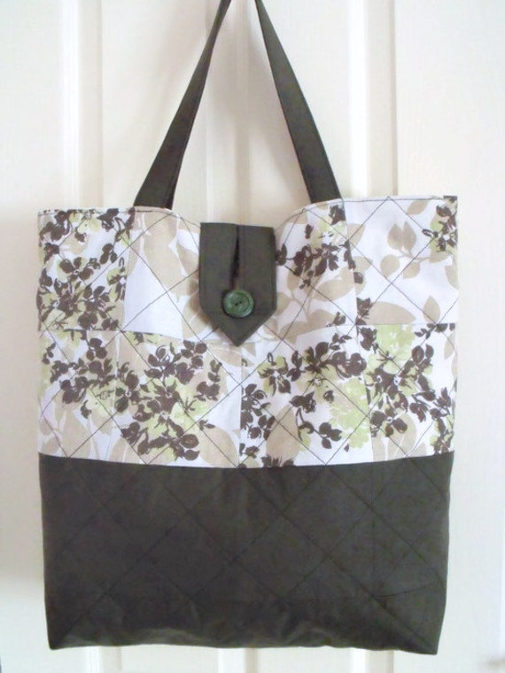 upcycled quilted shopping bag, shoulder bag, upcycled fabric bag, green cotton bag for every day use