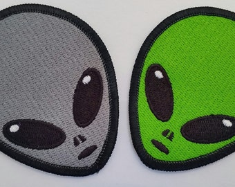 Alien head embroidered patch (FREE SHIPPING)