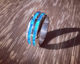 925 Sterling silver ring with Blue Lab opal