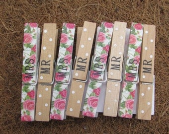 Pack of 8 Mr and Mrs Wedding pegs