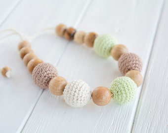 Crochet Teething Necklace for Mom / Breastfeeding Necklace with Juniper Wooden beads - Natural nursing Jewelry