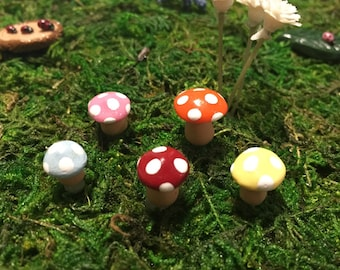 Miniature Accessories, Mushroom Woodland Fairy Garden, Terrarium Sculpture
