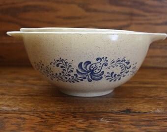 Pyrex Homestead Cinderella Bowls -- set of 2