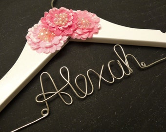 Personalized Children Hanger; Personalized Baby Hanger; Personalized Baby Hangers; Children's Hanger; Baby Hanger;  WITH 3 Pink Flowers
